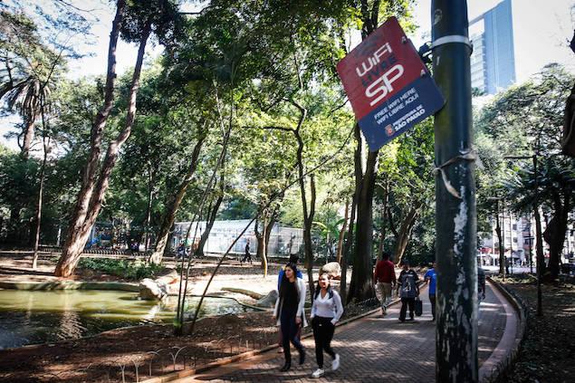 fa25a1f449 O número de usuários do programa WiFi Livre, da Prefeitura de São Paulo,  tem registrado queda desde setembro do ano passado.